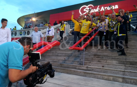 Final4 Belgrade - filming Fenebahce fans at Belgrade Arena